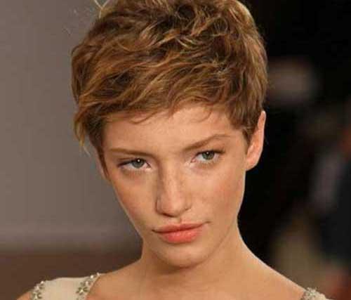 Pixie-Cut-Wavy-Hair-2