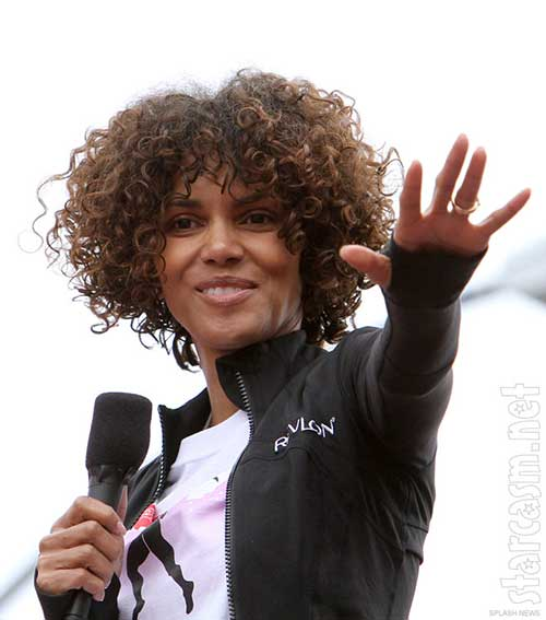 Halle Berry Short Curly Hair-12