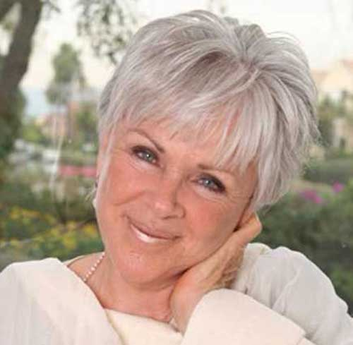 Short Hair Styles for Older Women-12