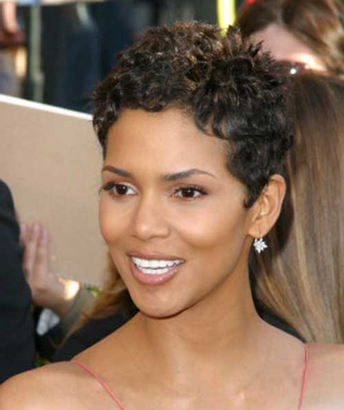 Halle Berry Short Curly Hair-16
