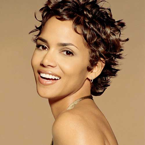 Halle Berry Short Curly Hair-17
