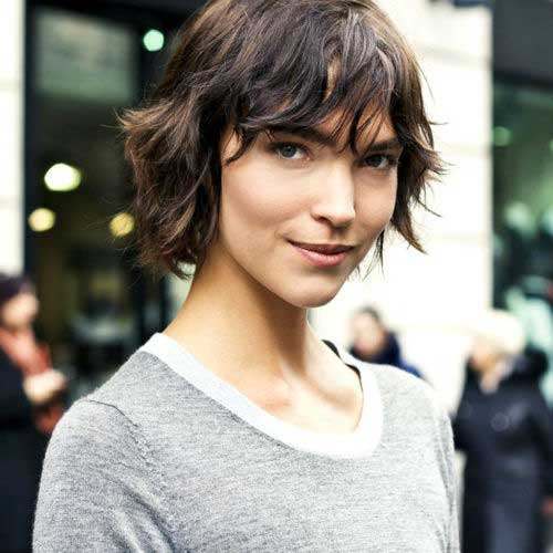 Female Celebrities with Short Hair-18