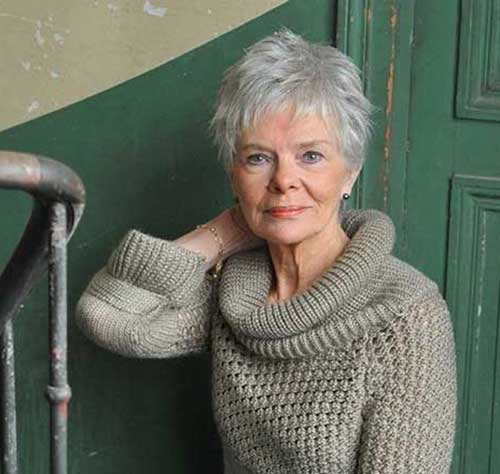 Short Hair Styles for Older Women-23