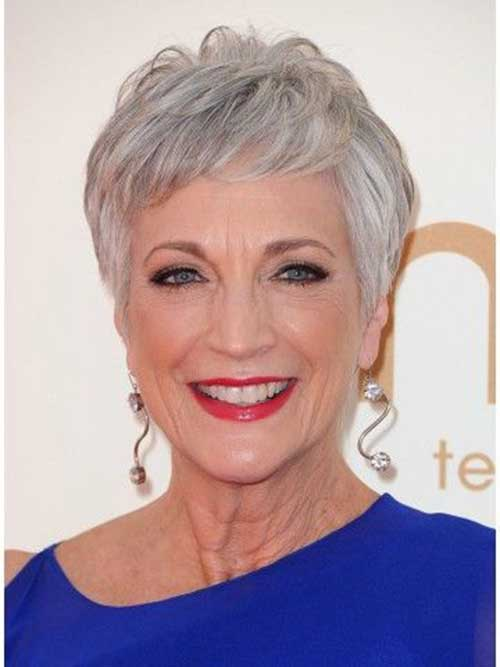 Short Hair Styles for Older Women-24