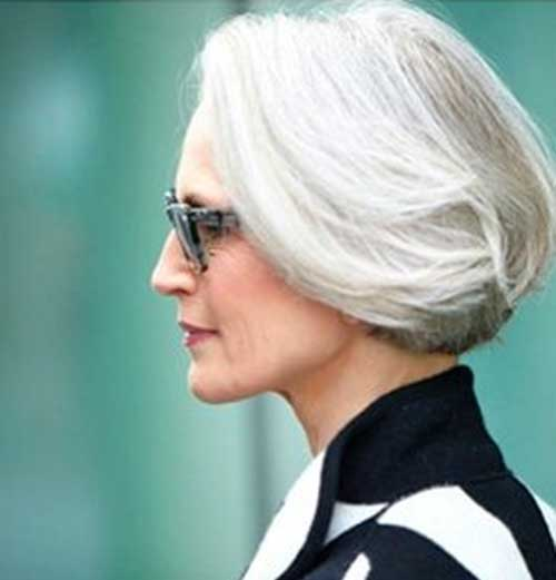 Short Hair Styles for Older Women-25