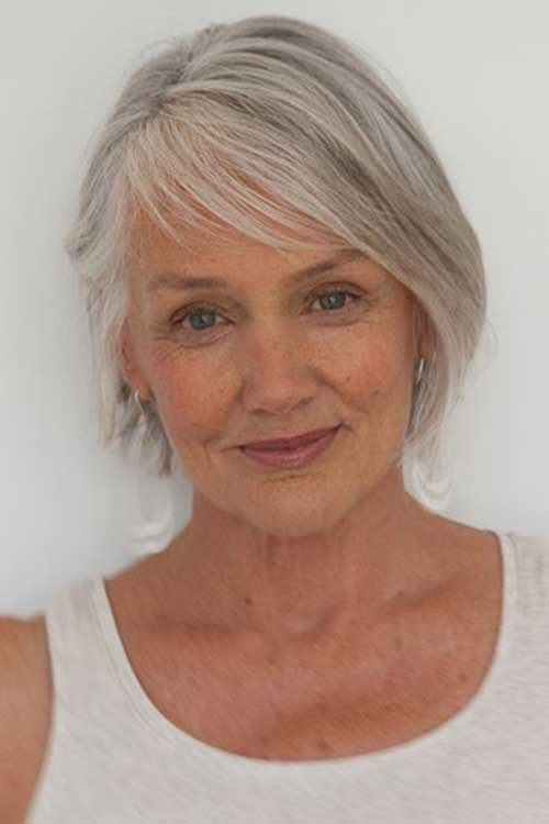 Short Hair Styles for Older Women-26