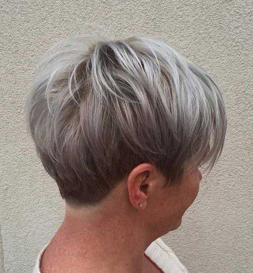 Short Hair Styles for Older Women-29