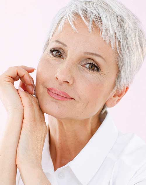 Short Hair Styles for Older Women-30