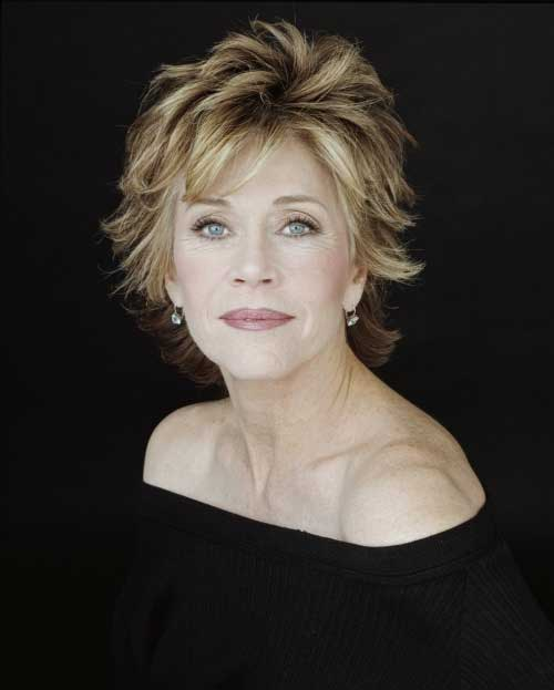 Short Hair Styles for Older Women-8