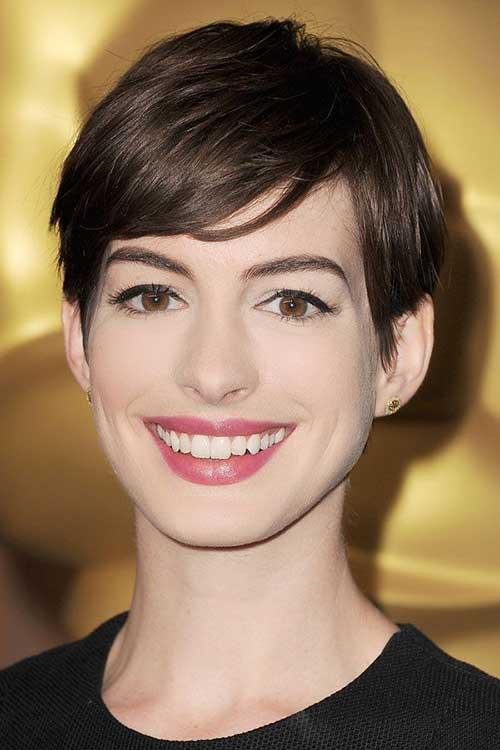 Short Hair Styles for Women-15