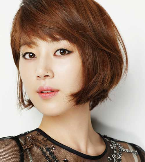 Asian Side Swept Layered Bob 2015