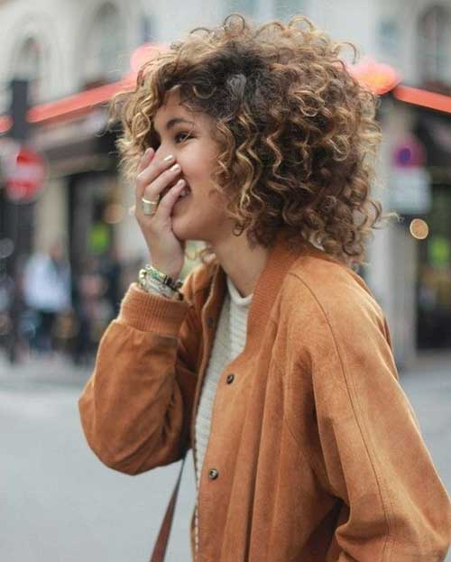 Best Hairstyles for Girls with Short Curly Hair