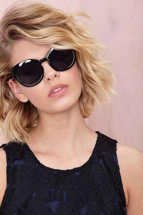 20 Short Layered Wavy Hairstyles | Short Hairstyles ...