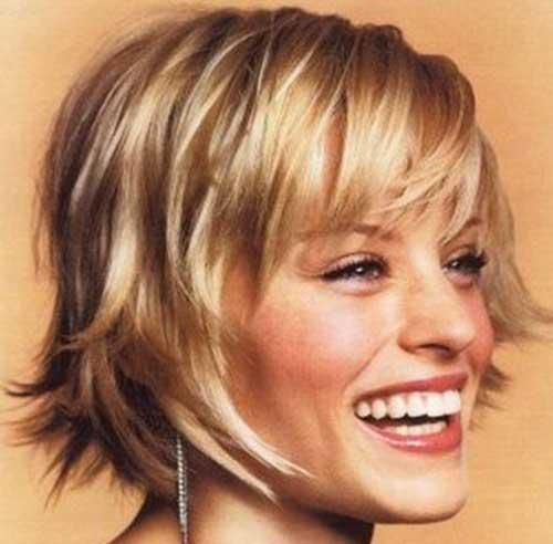 Layered-Sassy-Blonde-Bob-Hair