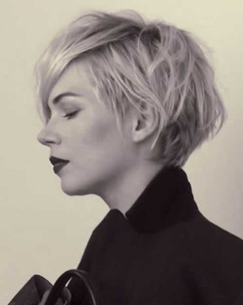 Modern Wavy Hairstyles for Short Haircuts
