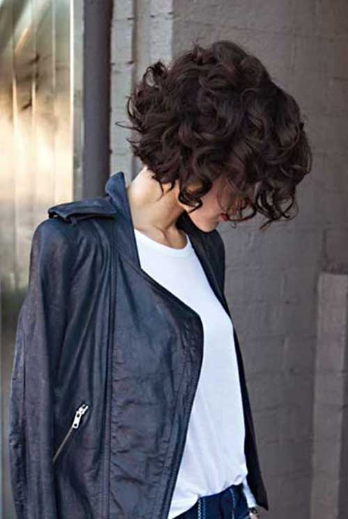 Short-Curly-Hairstyles