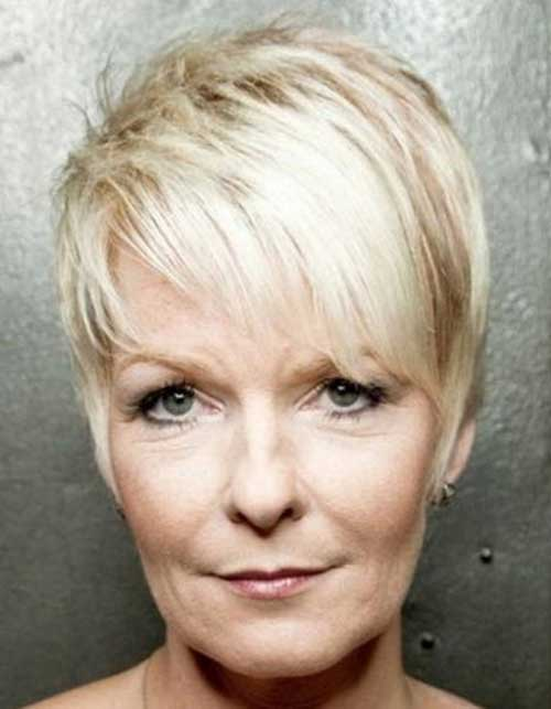 Short Straight Fine Haircut for Older Women Ideas
