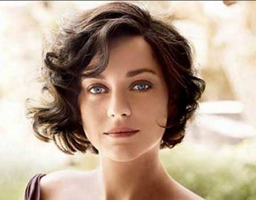 Trendy Short Curly Wavy Haircuts