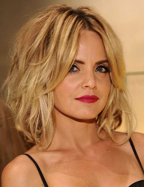 Celebs with Short Hair-11