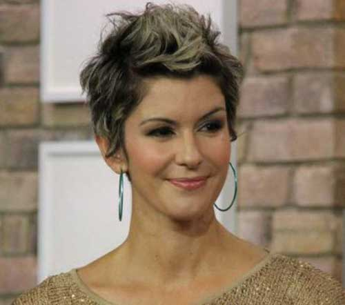 Celebs with Short Hair-12