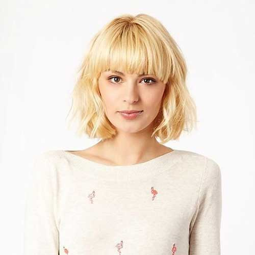 Short Hair Cuts with Bangs-15