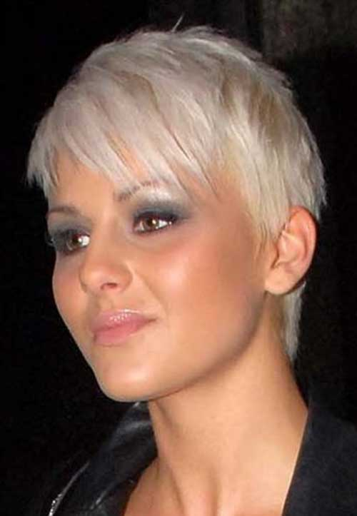 Short Hairstyles for Fine Straight Hair-13