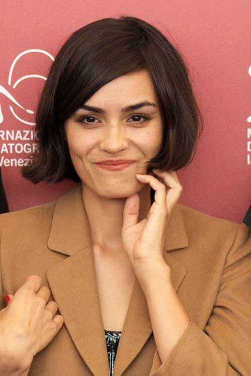 Blunt Side Swept Bob Cut