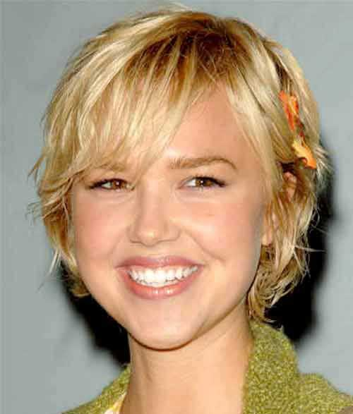 bob-cut-hairstyle-for-round-faces