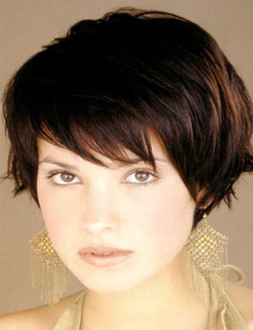 Cute Brown Short Hairstyles for Round Faces