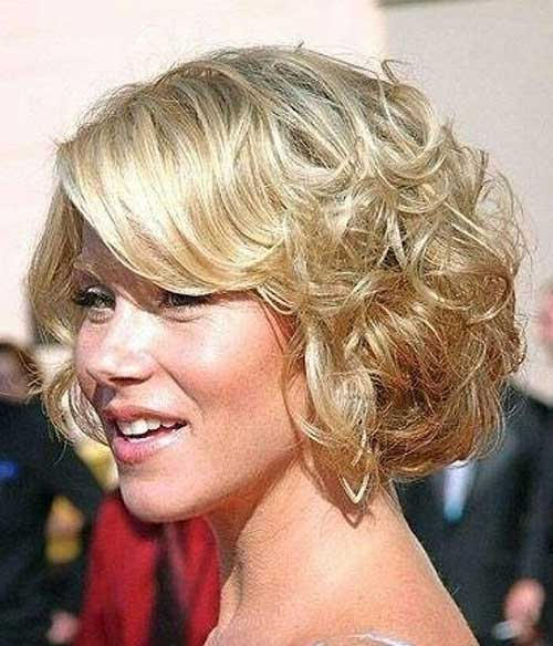 Cute Short Blonde Curly Hairstyles