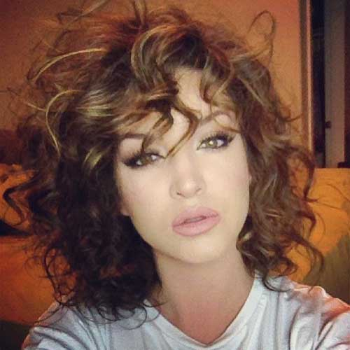 Super 15 Easy Hairstyles For Short Curly Hair Short Hairstyles Short Hairstyles Gunalazisus
