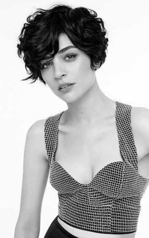 Super Pixie Haircuts for Wavy Hair