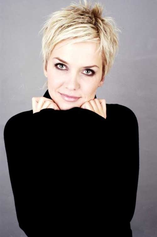 Chic Pixie Hairstyle for Women