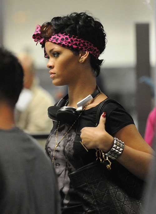 Rihanna Trendy Short Curly Hair