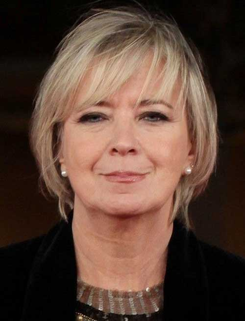 Short Straight Hair Cuts For Older Women