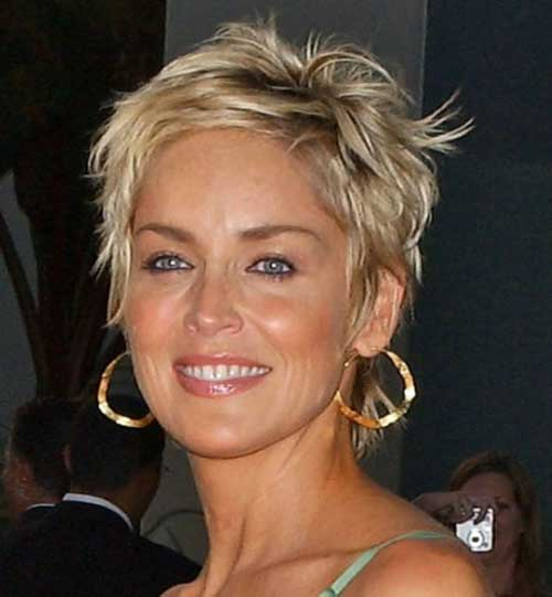 Stylish Short Haircuts Over 50