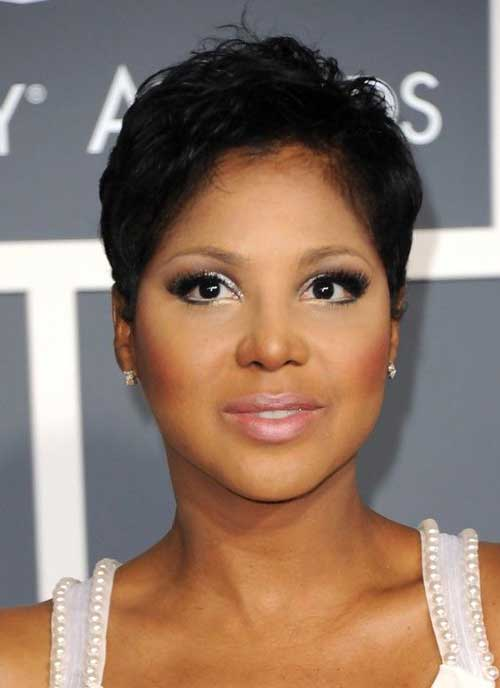 Best Short Hairstyles for Black Women with Round Faces