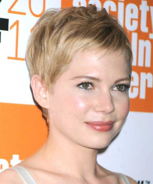 Best Short Straight Hairstyles for Round Faces