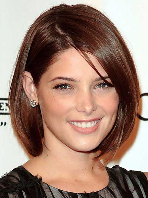 Straight Bob Hairstyles for Round Faces
