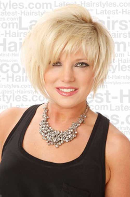 Cly And Simple Short Blonde Hairstyle For Women Over 50