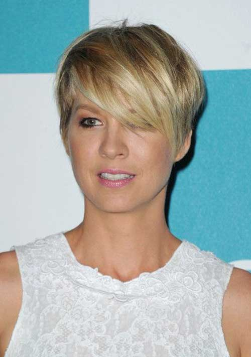 Straight Short Razor Pixie Haircuts