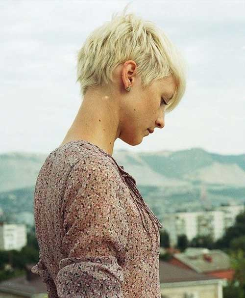 Women Blonde Pixie Haircuts