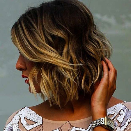 10-best-hairstyles-for-short-hair-2016122719