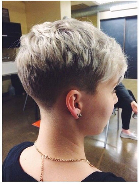 Hairstyles for Short Hair - 16-