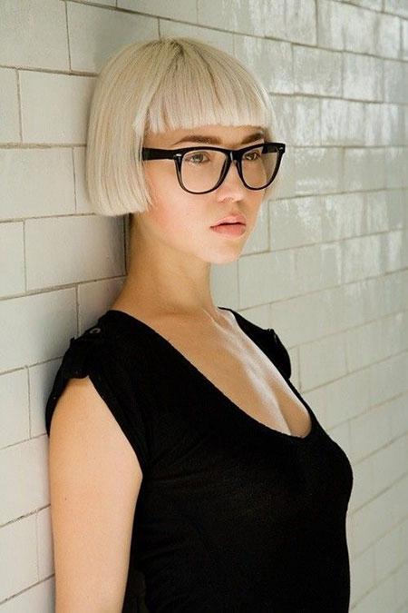 Best 2016 Short Hair with Bangs - 19