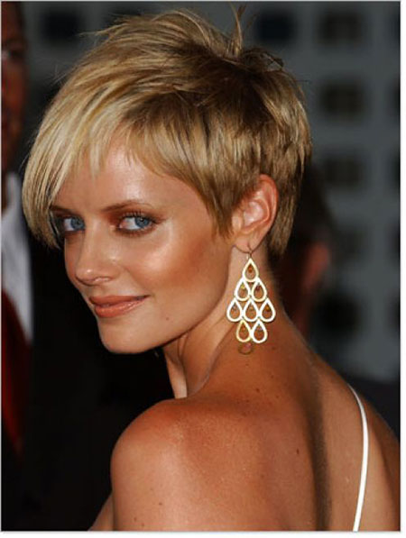 Short Hairstyles for Curly Hair - 21
