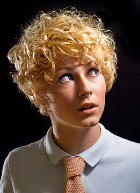 25 Latest Short Curly Hairstyles for Fun Style Short