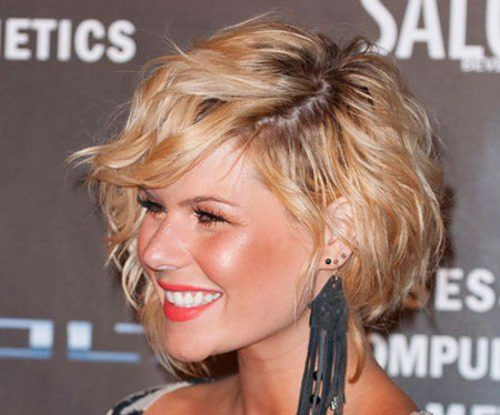 2016 Short Hairstyles with Bangs - 26