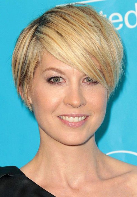 Best 2016 Short Hair with Bangs - 26