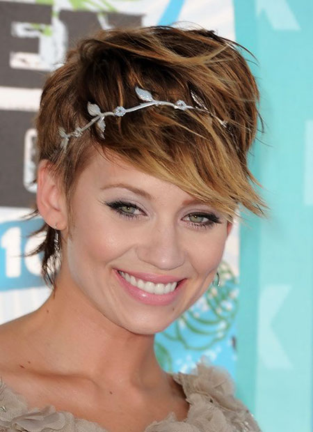 Hairstyles for Short Hair - 35-